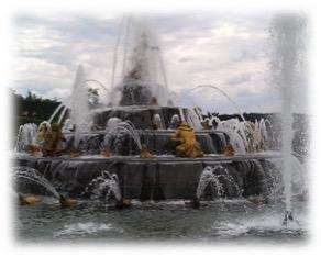 17 Versailles Garden Fountain