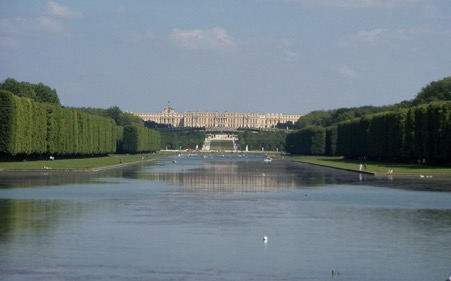 2 Versailles Palace Lake view from back