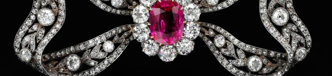 header Marie Antoinette's brooch 6